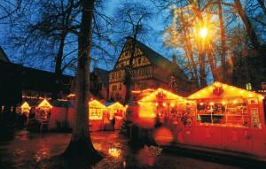 Dinkelsbuehl_Weinachtsmarkt_RomantischeStrasse