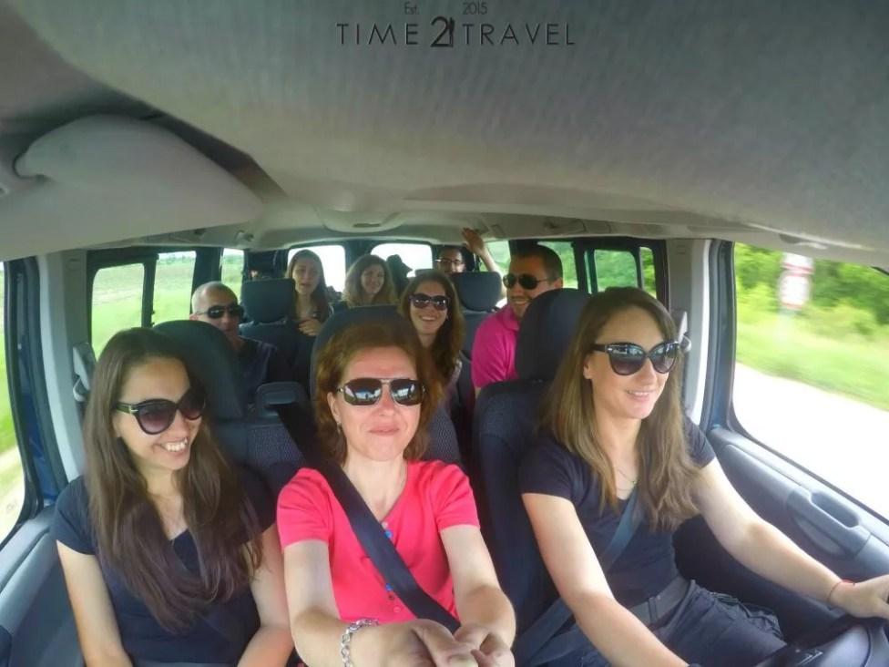 Българските травъл блогъри в кола под наем от Val&Kar София