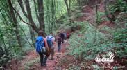 По-пътеката-след-тунела-към-коритото-на-река-Ерма