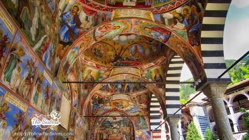 Прекрасните-стенописи-на-Рилски-Манастир