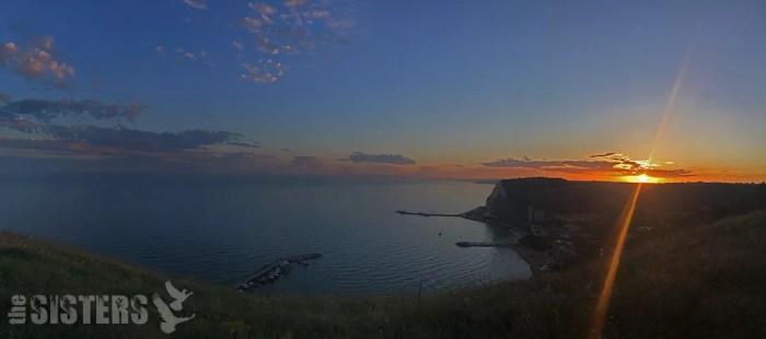 Черно море залез