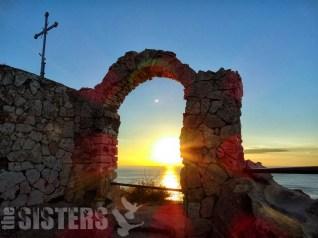 Изгрев от портата на Калиакра