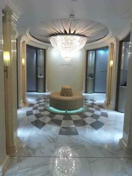 The breathtaking main hall of the Salon de Parfums