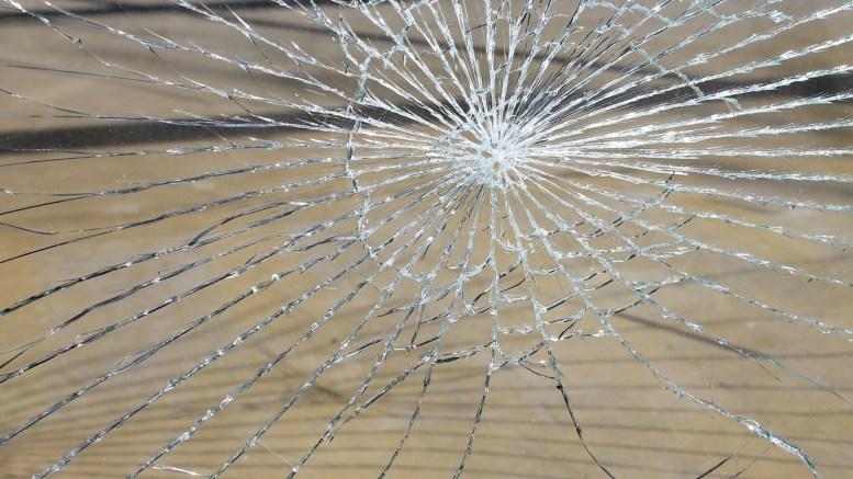glass-breakage-286096_1280