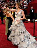Los Oscars buscan más glamour