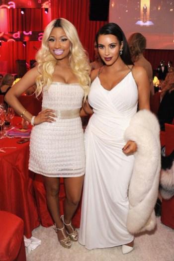 Nicky Minaj y Kim Kardashian en la Fiesta Elton John