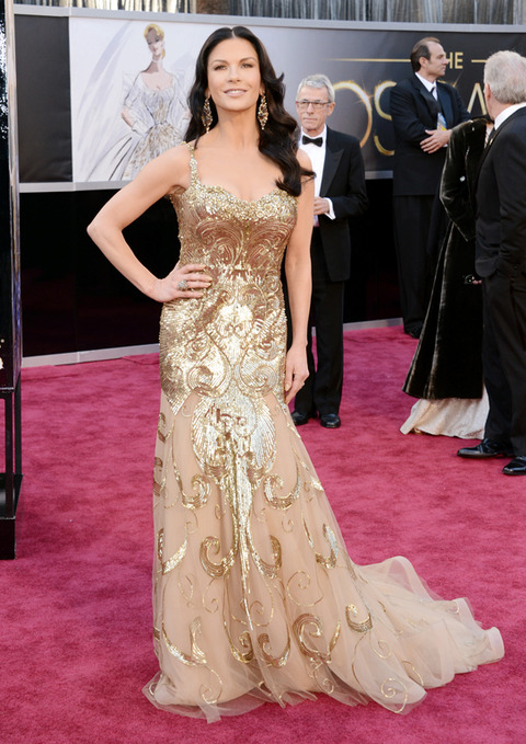 Catherine Zeta Jones en la alfombra roja de los Premios Oscar 2013