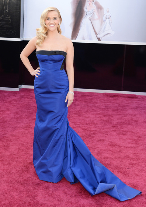 Reese Witherspoon en la alfombra roja de los Premios Oscar 2013