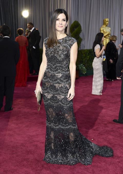 Sandra Bullock en la alfombra roja de los Premios Oscar 2013