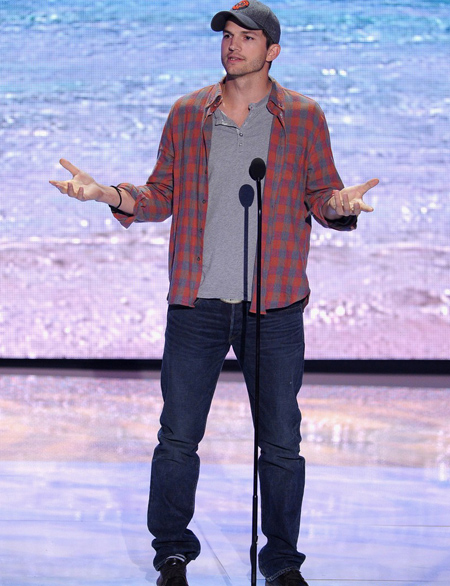 Ashton Kutcher en Teen Choice Awards 2013