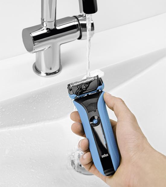 WaterFlex, la maquinilla de afeitar waterproof de BRAUN