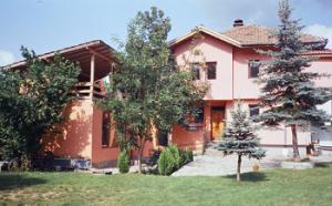 вила лилия къщи за гости в Априлци