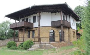 камените къщи яковци еленски балкан