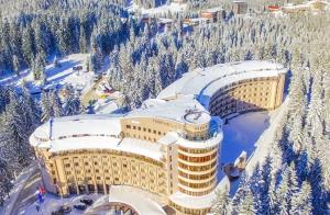 Сградата на СПА Хотел Орфей Пампорово