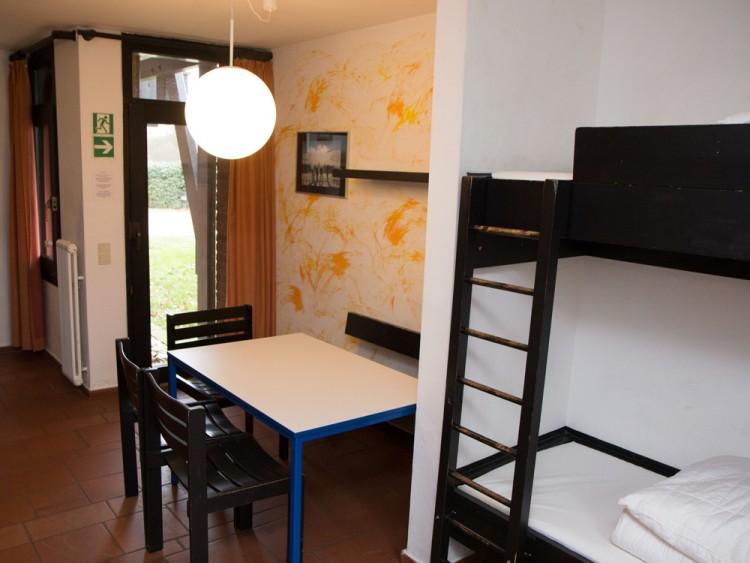 jugendbildungsst tte merzbach zimmer. Black Bedroom Furniture Sets. Home Design Ideas