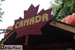 And lastly, a close-up of the sign. Note that it's made of apples.