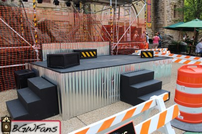A close look at the stage. Nothing says Ireland like sheet metal and construction crates!