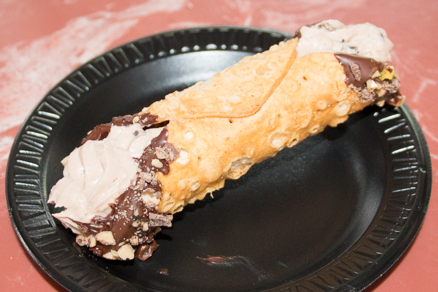 Marco Polo's Marketplace Customized Cannoli