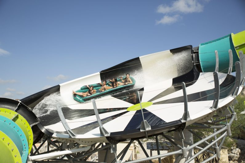 RocketBLAST-FlyingSAUCER-30-Hybrid_Six-Flags-Fiesta-Texas-75