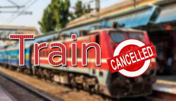 दरेकसा सालेकसा के बीच डी-रेल हुई मालगाड़ी, 11 ट्रेनें रद्द, कुछ का बदला रूट