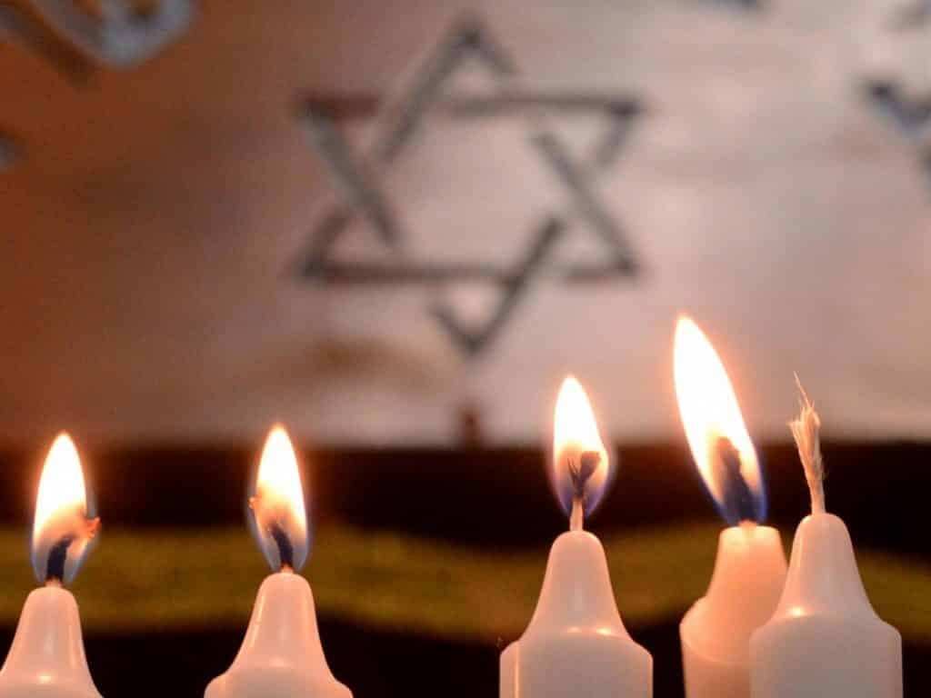 Joy Vey! Hanukkah and Christmas come together December 24
