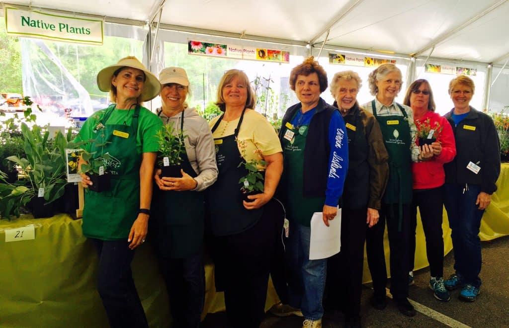 Volunteers make it work – BBG's Spring Plant Sale begins today