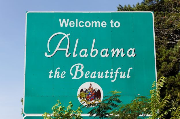 Birmingham opens up!  Mayor Bell signs executive order to improve transparency