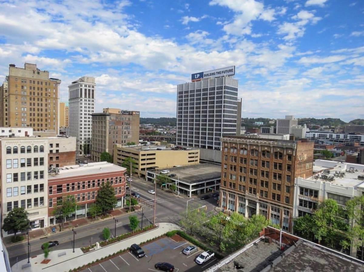 Who's hiring in Birmingham? 33 open jobs with companies like Susan Gordon Pottery LLC, BBVA Compass, and UAB Medicine