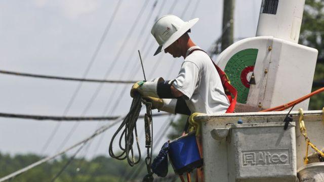Alabama Power linesman at work