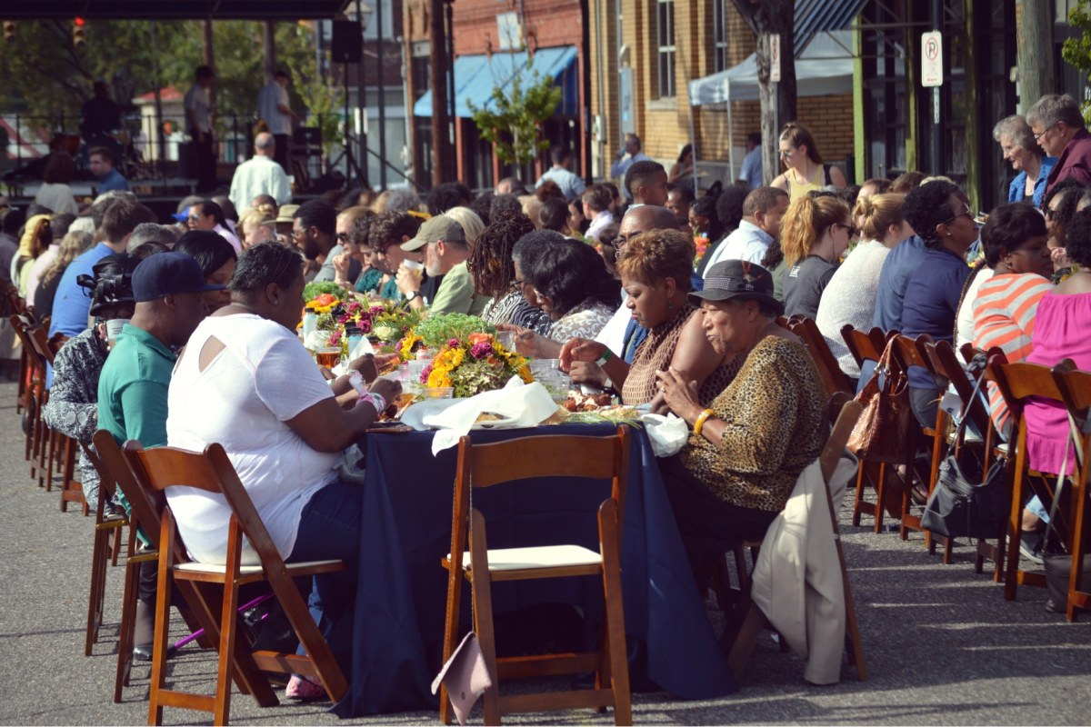 Here's what you missed at Woodlawn Sunday Dinner — soul food, jazz, community and more