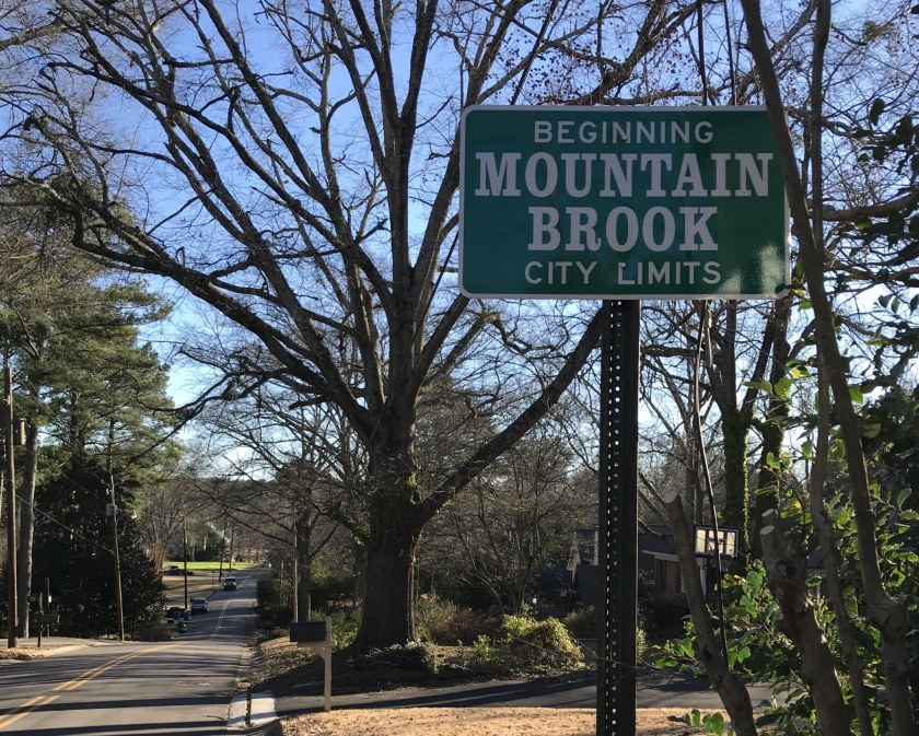 Birmingham, Alabama, Newcomers' guide to Birmingham, Mountain Brook