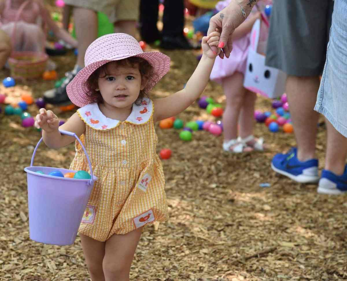 10 Easter egg hunts in Birmingham, including a 25,000-count egg hunt at Oak Mountain State Park. Plus where to find the Easter Bunny.