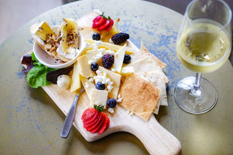 Birmingham, Vino, food, drinks, charcuterie, cheese boards