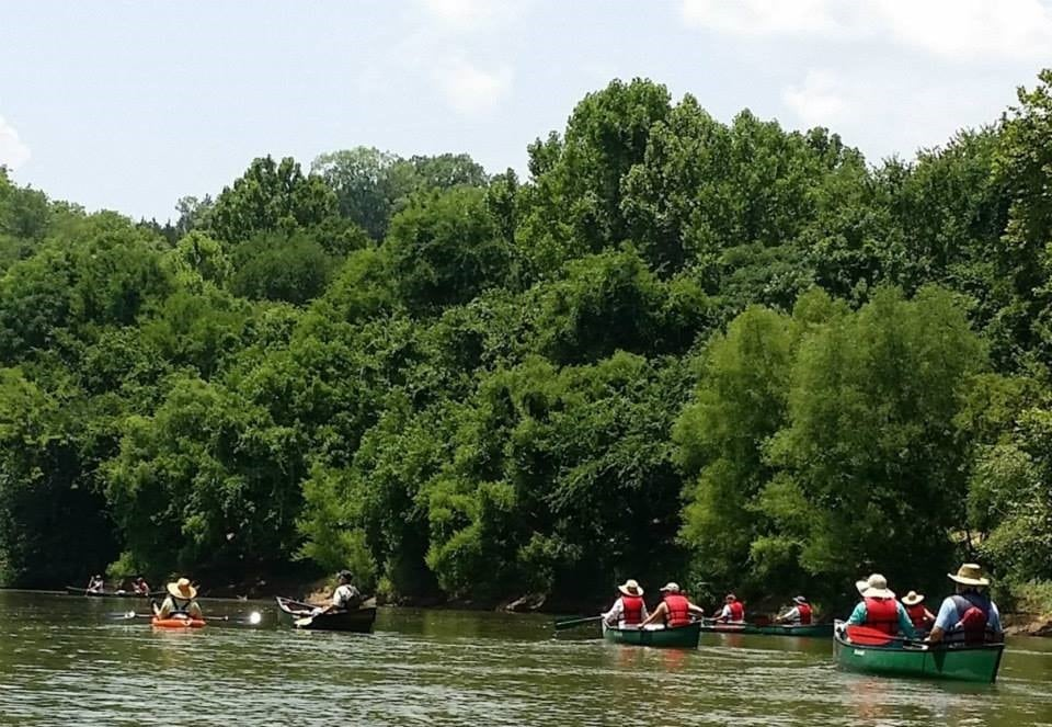 Guided Canoe Tour: Overnight Moonlight Trip to Old Cahawba Park