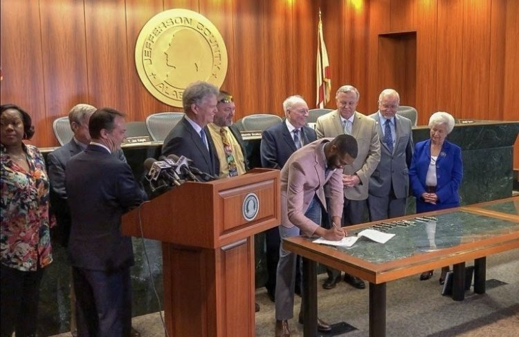 22 Jefferson County (AL) Mayors signed a 'Good Neighbor' pledge as part of the Together We Prosper campaign
