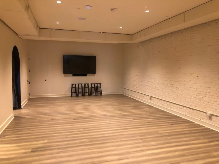 Large empty room for entertaining