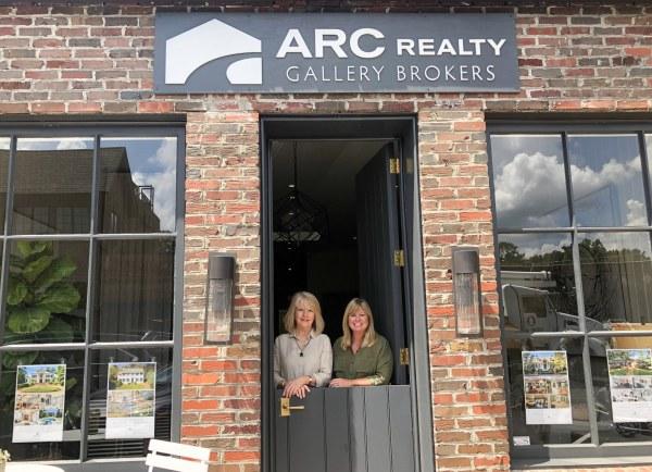 External shot of ARC Realty Gallery Brokers