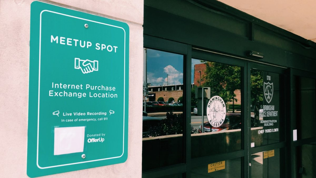 Buying goods online? 11 Internet purchase meetup spots in Birmingham
