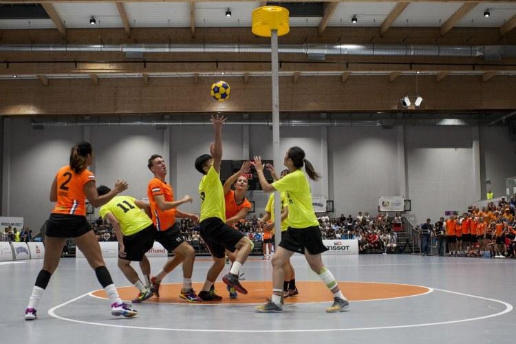 Two teams playing korfball