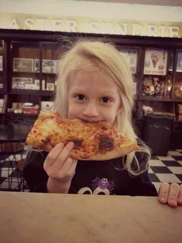 Birmingham, Laster Sundries On Main, Trussville, Iron Stone Pizzeria, pizza, pizzeria