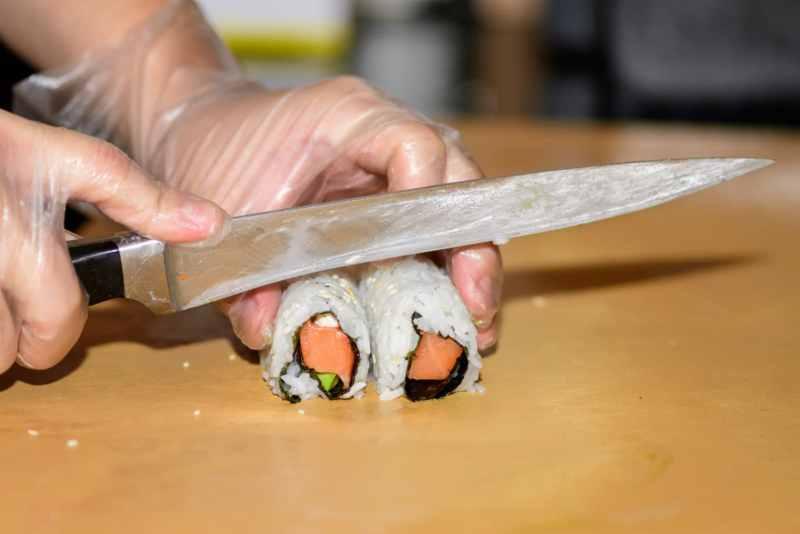 Man making sushi at Ikko