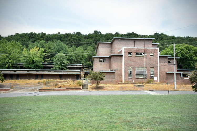Transforming the old Banks School would be a huge boon to South Eastlake and Roebuck Springs