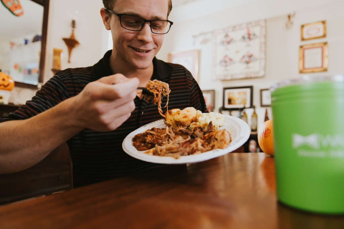 Your 5 step guide to a no-stress Friendsgiving in Birmingham—plus free food delivery!