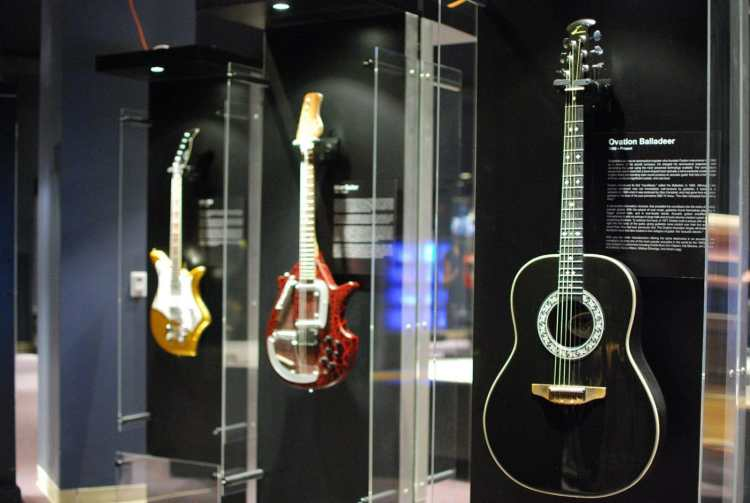 Birmingham, McWane Science Center, National GUITAR Museum, Guitar: The Instrument That Rocked The World
