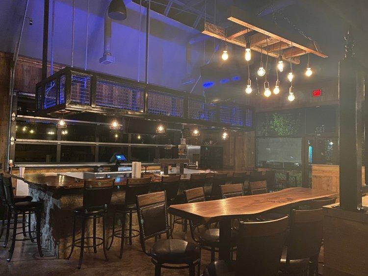 Birmingham, Cajun Roux Bar & Grill