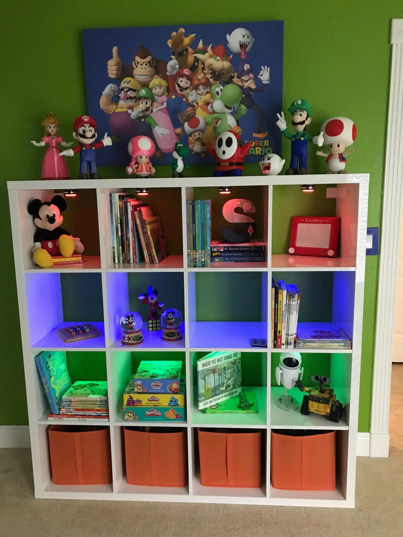 This is a fun way to organize your child's room
