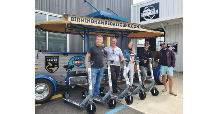 Group Shot of Birmingham Pedal Tours Primcipals