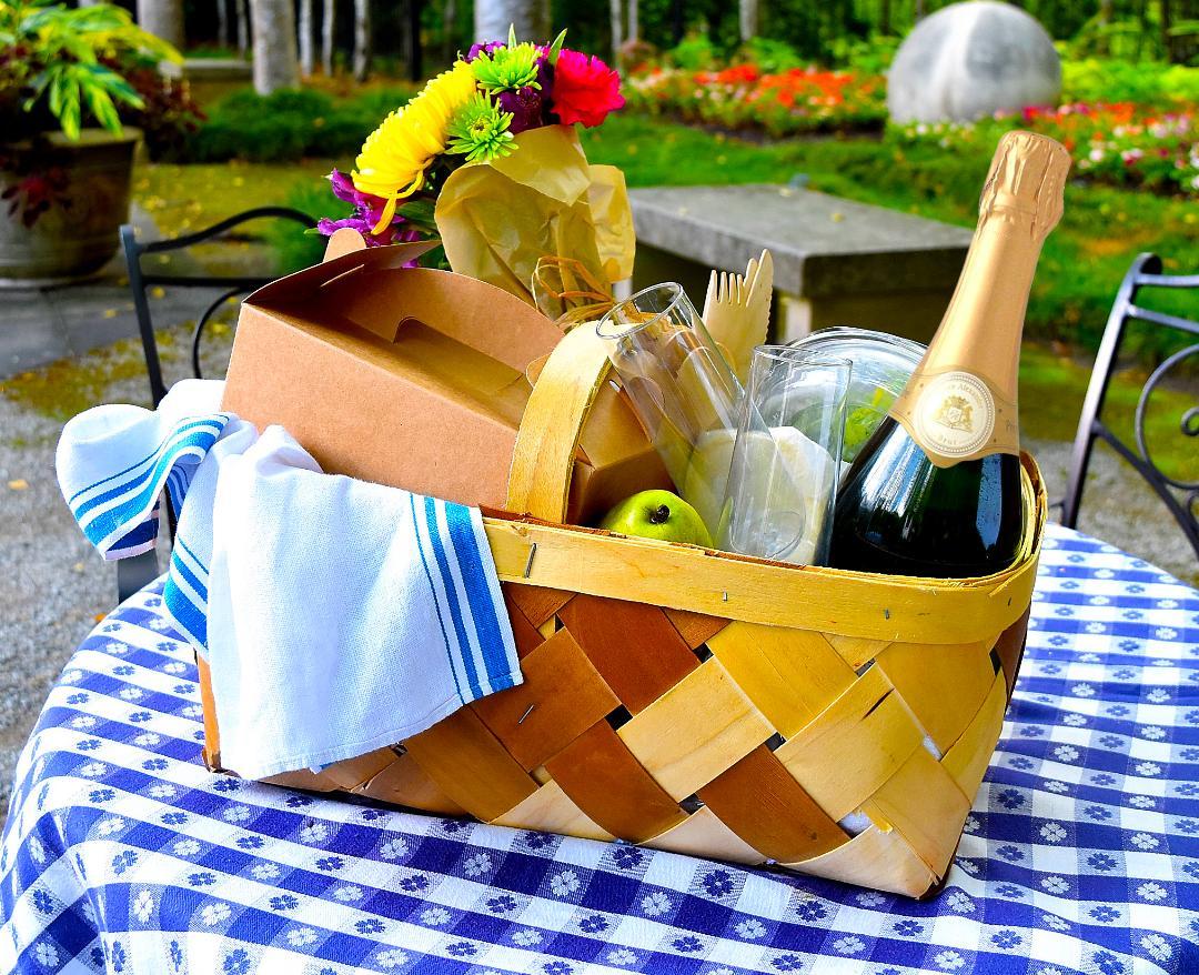 Birmingham, LDEI, Les Dames D'Escoffier International, picnic, picnic basket