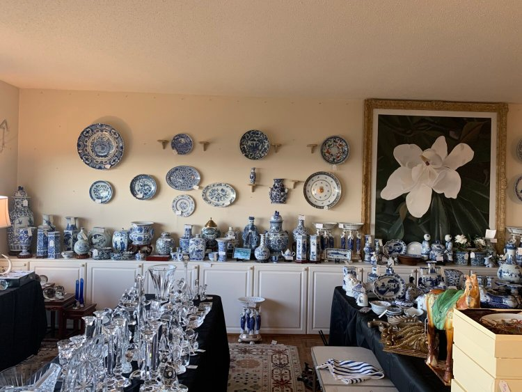 Blue and white porcelain pieces and crystal dishes in Bonnie Swearingen estate sale