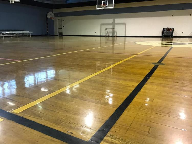 Greystone YMCA racquetball court